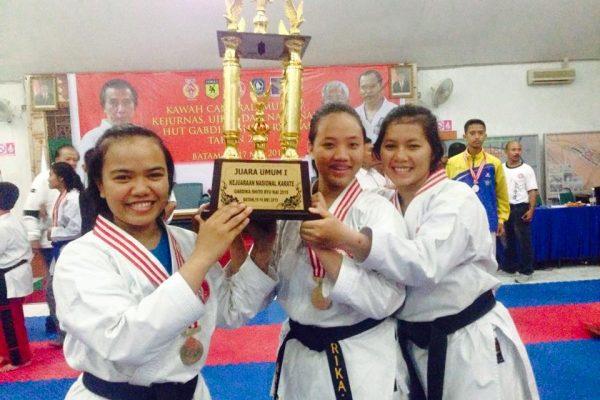 Mahasiswa Berprestasi di seni bela diri karate